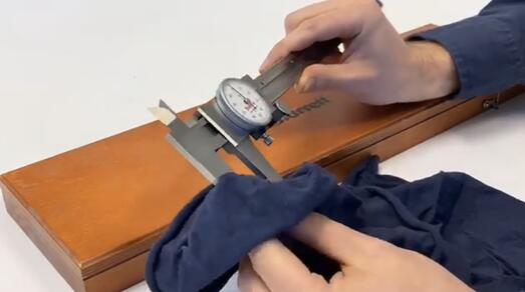 How to clean a caliper